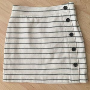 Ann Taylor Petite cream and navy pencil skirt 4P